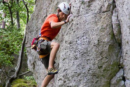 Höher Anstehen beim Klettern Frankenjura Edward