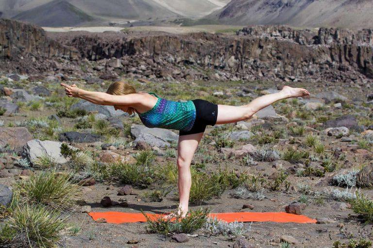 Stefanie, Yoga nach dem Klettern in Valle de los Condores Chile
